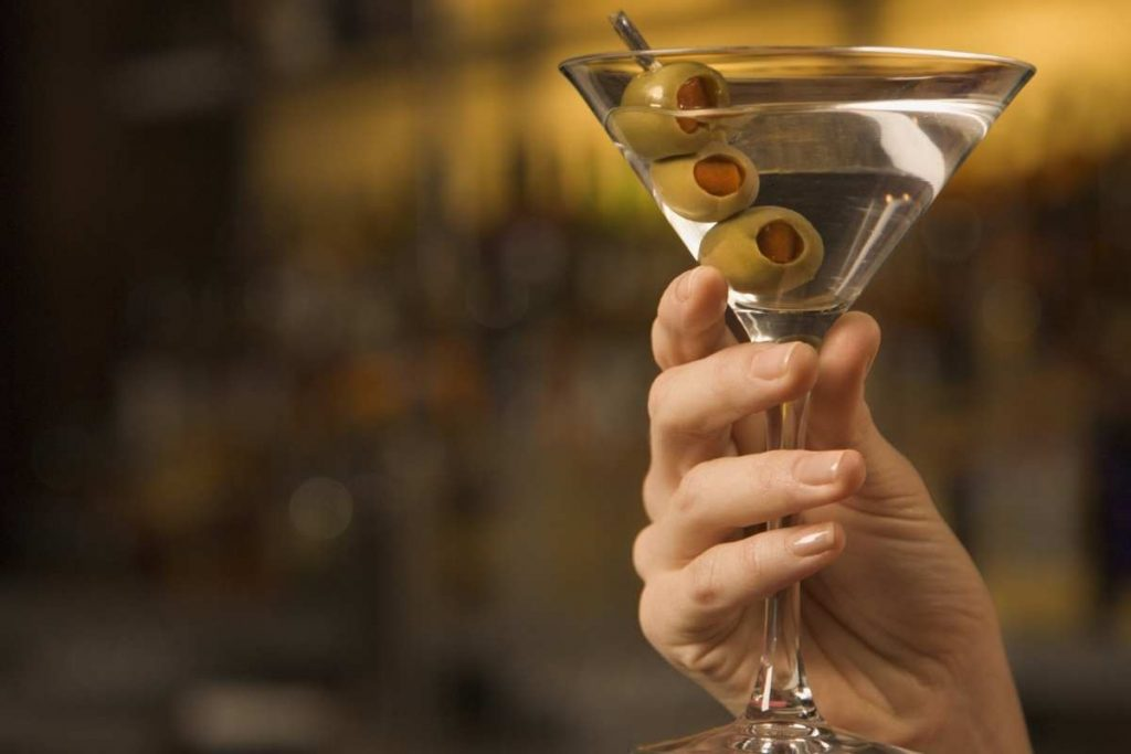 how to hold martini glass